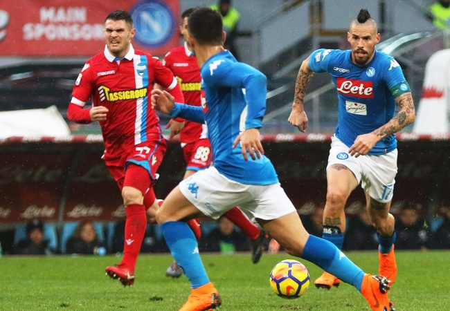 Naples (Italy), 18/02/2018.- Napoli's Marek Hamsik (R) in action during the Italian Serie A soccer match between SSC Napoli and SPAL Ferrara at the San Paolo stadium in Naples, Italy, 18 February 2018. (Nápoles, Italia) EFE/EPA/CESARE ABBATE